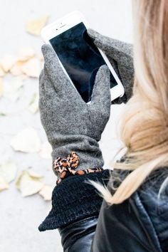 Cashmere Cheetah Bow Touch Screen Gloves