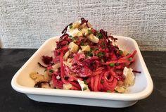 Leckeres, vegetarisches Nudelrezept: Spaghetti mit Rote Bete, Ziegenkäse und Walnüssen #pasta #rezept #rotebete