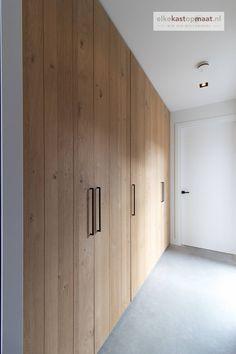Built In Cupboards Bedroom, Bedroom Cupboard Designs, Wardrobe Design Bedroom, Small Room Bedroom, Closet Bedroom, Home Bedroom, Wooden Wardrobe, Interior Decorating, Interior Design