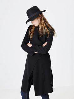 18 признаков того, что вы настоящая Fashion Girl  http://kickymag.ru/moda-stil/18-priznakov-togo-chto-vy-nastoyashchaya-fashion-girl