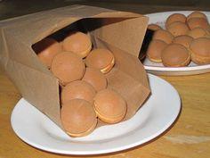 屋台風 ~ベビーカステラ~の画像 Donut Recipes, Dessert Recipes, Desserts, Crepe Pan, Pretzel Bites, Scones, Kids Meals, Baked Goods, Donuts