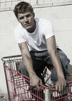 Chris Zylka I should know about him before