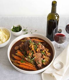 Australian Gourmet Traveller food feature on making stock with recipes for chicken, veal, fish and vegetable stocks. Gourmet Recipes, Beef Recipes, Chicken Recipes, Recipes Dinner, How To Make Stock, Creamy Mash, Beef Ribs, Recipe Search, Recipe Images