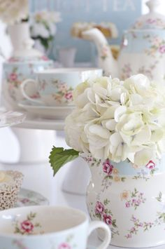 The High Tea Company | Hen's day, bridal shower, baby shower, birthday celebrations, corporate event or just for fun