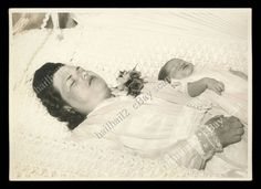 TRAGIC POST MORTEM MOTHER with CHILD IN SAME CASKET   DIED DURING CHILDBIRTH