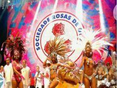 No dia 31 de dezembro, o Hotel Tivoli Mofarrej comemora o Réveillon com cardápio assinado por chefs internacionais, open bar, queima de fogos e festa na piscina. A atração principal da noite, que se inicia às 22h, será a Escola de Samba Rosas de Ouro.