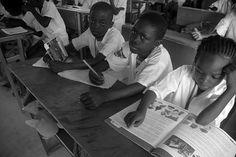 """""""A educação é a arma mais poderosa que você pode usar para mudar o mundo."""" Nelson Mandela"""