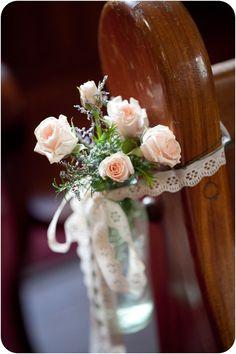 Die 36 Besten Bilder Von Altar Blumen Boho Wedding Church Pew