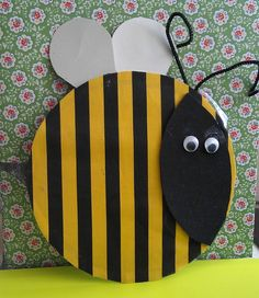 Bee made by Huntley Toddlers using scrapstore materials. Gloucestershire Resource Centre http://www.grcltd.org/scrapstore/