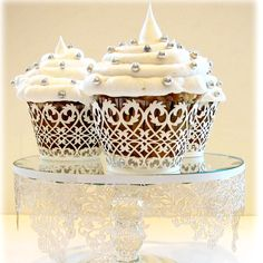 Make cupcakes look elegant. Accent the party with these unique cupcake wrappers and cake plate wrappers. They make the perfect presentation for your cupcakes. Tolle Cupcakes, Lace Cupcakes, White Cupcakes, Wedding Cupcakes, Cupcake Cookies, Silver Cupcakes, Cupcake Cupcake, Paper Cupcake, Frosting Recipes