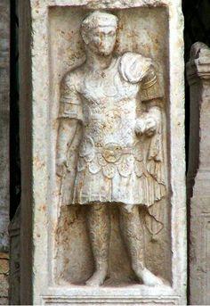 Centurión Quintus  Sertorius Festus