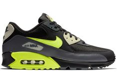 Air Max 90, Nike Air Max, Nike World, Air Max Sneakers, Sneakers Nike, I Love My Shoes, Nike Swoosh Logo, Sneaker Release, White Nikes