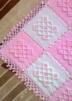 Diy Crafts - Crochet,crochetmodels-Knitting Baby Blanket Patterns Baby's skin is very sensitive. Baby skin is thin and weak. Handmade Baby Blankets, Knitted Baby Blankets, Baby Blanket Crochet, Crochet Baby, Afghan Crochet Patterns, Baby Knitting Patterns, Baby Patterns, Blanket Patterns, Diy Crafts Knitting