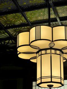 Yamanaka-za, Yamanaka Onsen, Ishikawa, Japan: This ceiling and pillars are all lacquered.