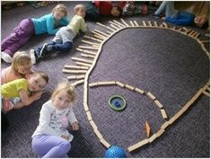 New Absolutely Free preschool activities reggio Tips With regards to setting up frolicsome learning actions pertaining to very young children, it isn't really one dimensi Montessori Kindergarten, Fall Preschool Activities, Free Preschool, Preschool Learning, Infant Activities, Reggio Emilia, Kindergarten Portfolio, Autumn Theme, Pre School