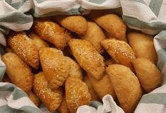 Pretzel Bites, Bread, Snacks, Food, Random, Appetizers, Brot, Essen, Baking