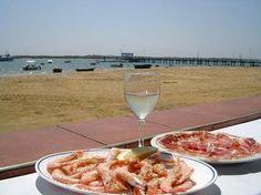 """Jamón de Jabugo, gambas blancas y vino del Condado... un buen resumen de la gastronomía de Huelva / Jamón from Jabugo, white shrimps and wine from """"El Condado"""" (guarantee of origin and quality)... a good summary of gastronomy in Huelva"""
