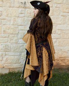 Golden Yellow Pixie Skirt Renaissance Costume par CrystalKittyCat, $47,00