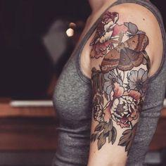 Half Sleeve Tattoo Designs Really liking botanical tattoos lately Tatuajes Tattoos, Bild Tattoos, Love Tattoos, Beautiful Tattoos, Body Art Tattoos, New Tattoos, Tatoos, Piercings, Piercing Tattoo