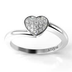 Inel de logodna din aur alb cu diamant cod: Zoeli. Pe banda simpla din aur alb de 14K cu finisaje lucioase, este incrustat un diamant cu taietura de tip rotund briliant. Aur, Heart Ring, Rings, Jewelry, Fashion, Moda, Bijoux, Ring, Heart Rings