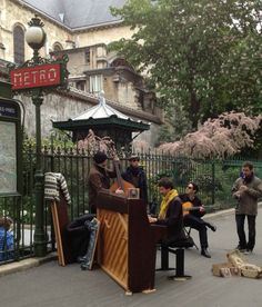 Paris, St. Germain, Paris metro music, Paris street musicians
