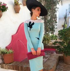 El look de boda de otoño de Eva González Modest Fashion, Fashion Outfits, Womens Fashion, Classy Outfits, Beautiful Outfits, Race Wear, Wedding Guest Style, Outfits With Hats, Marie