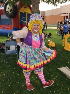 Arizona Clowns was created in 1996 a mother-daughter team that has been bringing fun to Arizona events and parties for over 20 years. Hire a clown today! Magic Tricks, Clowns, Special Events, Harajuku, Balloons, Daughter, Fun, Fashion, Moda