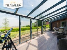 Aluminium tuinkamer. In de kleur antraciet. Super uitzicht op de tuin. #tuin #inspiratie #verasol