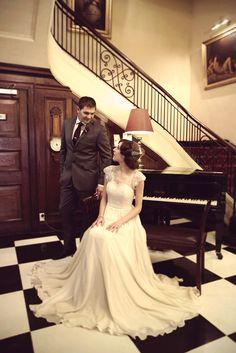 An Elegant Vintage Wedding Inspiration Shoot from Sarah McEvoy & Jenn Hadley