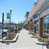 Shop till you drop at a variety of boutiques and shops in Downtown Truckee. From one-of-a-kind clothing stores to decorative and tourist shops, spend an entire day browsing and never get bored.