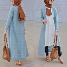 How to wear long tunic with hijab Tesettür Jean Modelleri 2020 Hijab Wear, Casual Hijab Outfit, Hijab Dress, Islamic Fashion, Muslim Fashion, Modest Fashion, Hijab Chic, Mode Outfits, Fashion Outfits