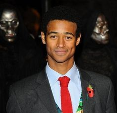 "Ranking The 50 Hottest Dudes Of The ""Harry Potter"" Movies - Dean Thomas / Alfred Enoch Harry Potter Film, Alfred Enoch, Dean Thomas, Raining Men, Attractive Men, Good Looking Men, My Guy, Dimples, I Movie"