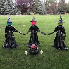 Scary Halloween Decorations, Diy Halloween Decorations, Halloween Pumpkins, Halloween Costumes, Scary Halloween Yard, Halloween Mural, Halloween Party Themes, Halloween Witches, Halloween Wallpaper