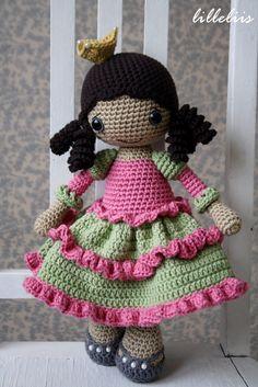 PATTERN Princess Silver-shoe crochet pattern par lilleliis