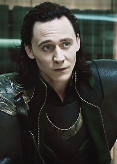 Buzzfeed- Reasons why Loki is the god of your dreams ------- kittens + rainbows = Tom. Yes. All the yes.