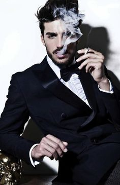 Mariano Di Vaio, a great and inspirational mens blogger of our time. #fashionlook #fashionbloggers