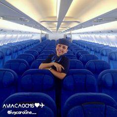 Bem vindos a bordo com a lindíssima comissária Ivy Caroline no A330. Bons vôos ❤✈ #crewlife #future #flightattendant  #aeromoças #aeromoça #comissáriadebordo #A330 #azulinhasaereas #stewardess #fly #revistatripulante #aero #tripulantes #aviacaocms #comissariasdevoo #azul #blueangel #voeazul #cabincrew