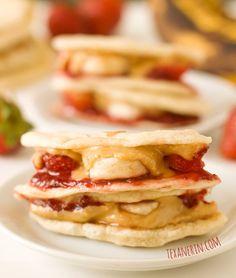 Peanut Butter, Strawberry and Banana Quesadillas - can be made whole grain, gluten-free, vegan, etc. | texanerin.com