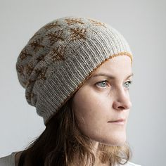 """<span class=""""best-highlight"""">cast on 126 sts for ribbing and increased to full stitchcount</span> for a more beanie like look. 6,5cm brim just two colours started decreasin..."""
