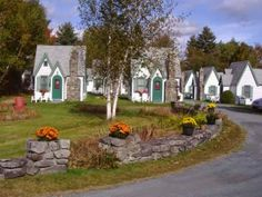 Hearthside Village has little cottages in the White Mountains of New Hampshire