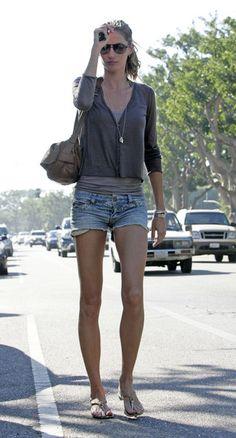 W-W-W: GISELE BUNDCHEN STREET STYLE ''normal''look and ''wonderful'' body