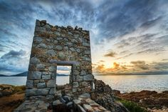 This abandoned copper mine on the edge of Virgin Gorda was a great find thanks to the #StuckOnEarth app! from #treyratcliff at www.StuckInCustom... - all images Creative Commons Noncommercial