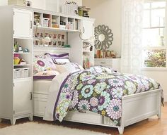 teen-girl-room-design-idea11 >> My room is going to be pretty small so I'd like something for my odds and ends =)
