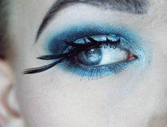 Creative ideas with blue eyeshadow!
