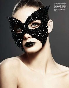 The world needs more masked balls... delicately gothic glamour