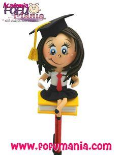 FOFUMANIA - FOFUMANIA - Imaginamos, diseñamos y creamos hasta el más pequeño de los detalles, para que tu evento sea original y divertido, haz de tu acontecimiento un gran evento FOFUMANIA... Foam Crafts, Arts And Crafts, Diy Crafts, Doll Face Paint, Cute Pens, Biro, Clay Dolls, Clay Art, Wooden Toys