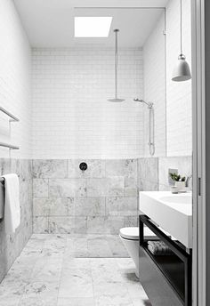 Bathroom Niche: Learn How To Choose And See Ideas With Photos - Home Fashion Trend Bathroom Niche, Bathroom Trends, Family Bathroom, Budget Bathroom, Bathroom Interior, Modern Bathroom, Bathroom Green, Marble Bathrooms, Bathroom Showers