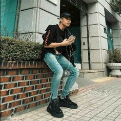 Korean Entertainment Companies, Pop Group, Mom Jeans, Bae, Chicken, Pants, Collections, Rock, Pictures