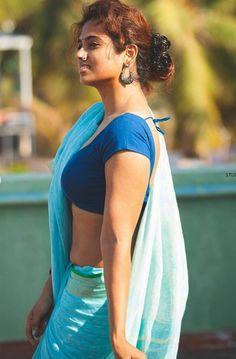 Ramya Pandian Hot Stills South Indian Actress Hot, Indian Actress Hot Pics, Actress Photos, Beautiful Bollywood Actress, Most Beautiful Indian Actress, Beautiful Actresses, Beauty Full Girl, Beauty Women, Beauty Girls