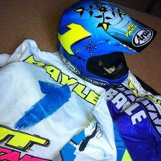 #beautiful #kit isn't it!?😉😎 #jmb #jeanmichelbayle #rstaichi #jtracing #arai #helmet #ocddesigns #paintjob #oxbow #bayle #1992 #honda #HRC #supercross #sx #1 #ama #legend #americanhonda